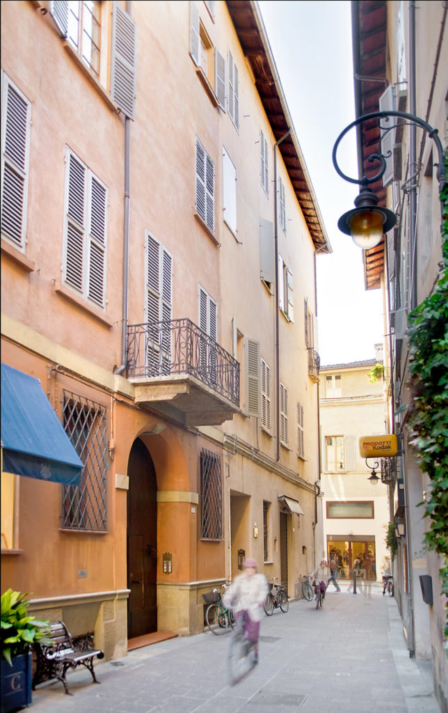 Ingresso Bed and Breakfast Cantarelli in via Monzermone a Reggio Emilia